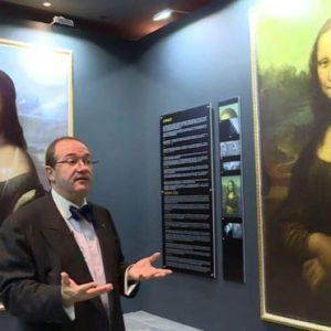 "Hidden Portrait ""Underneath"" Mona Lisa"